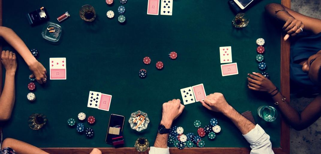 Poker or gambling in hotel rooms